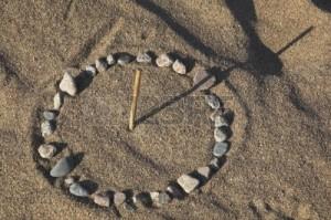 zegar-sloneczny-na-morzu-piasku